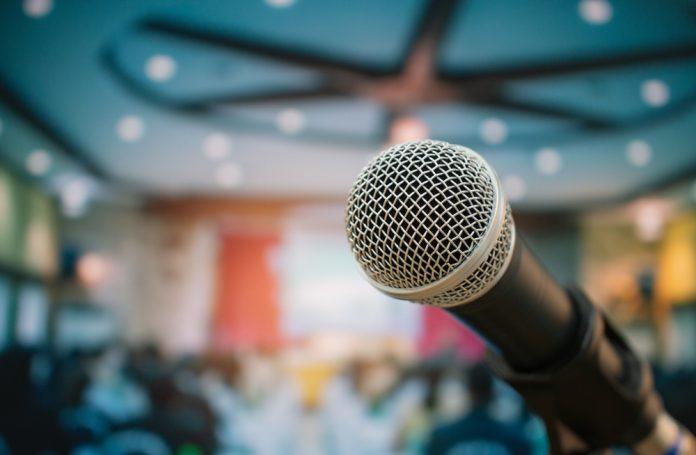 cum alegi microfonul