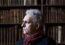 O amplă conversație cu scriitorul Hanif Kureishi