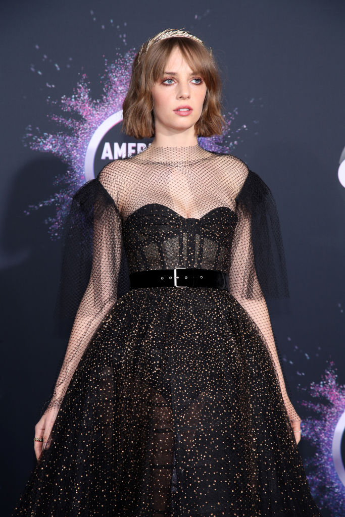 Cele mai memorabile look-uri pe covorul roșu de la American Music Awards 2019