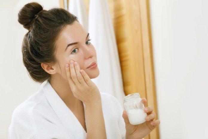 crema pentru acnee cbd